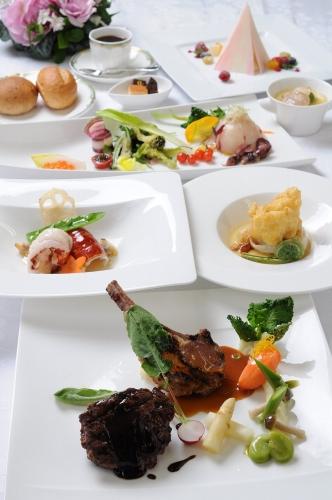 Dinner_C.jpg