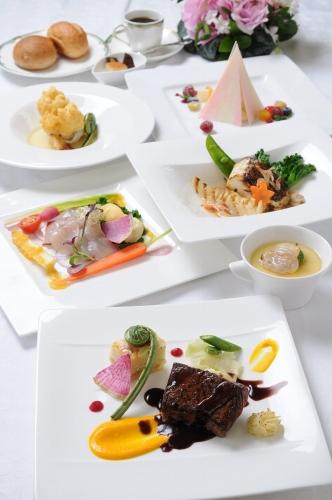 Dinner_M.jpg